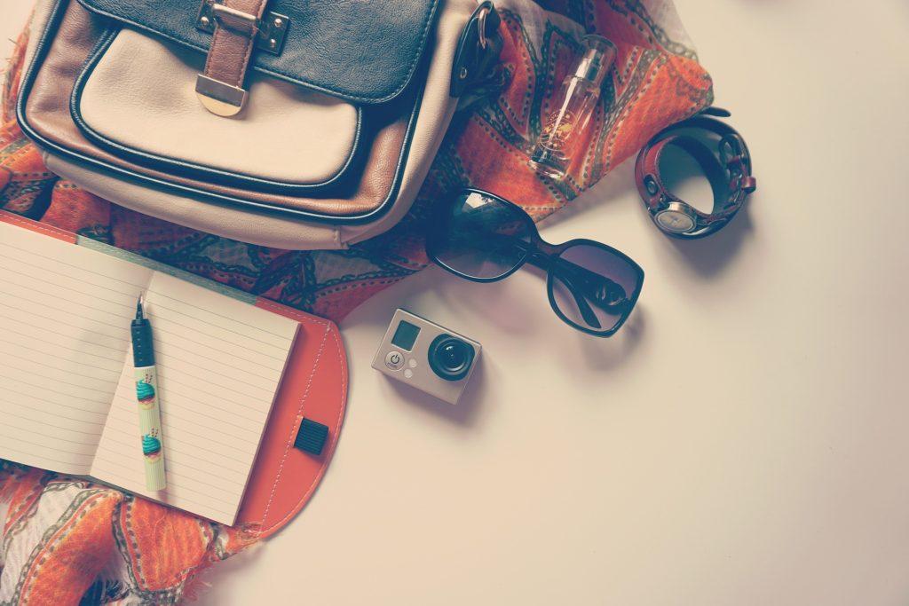 bijoux et accessoires de voyage