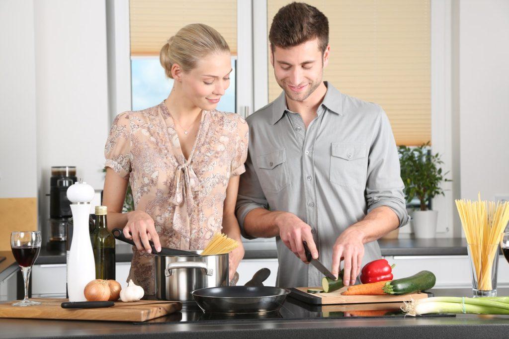 Astuces pour organiser les poêlles et les casseroles dans la cuisine