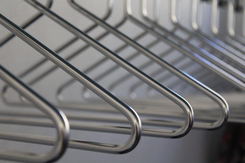 Cintres pour organiser une armoire