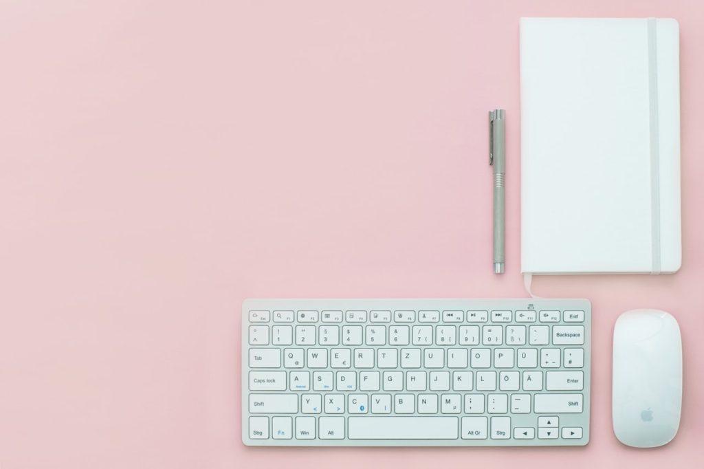 Crea una distinzione tra lavoro e tempo libero