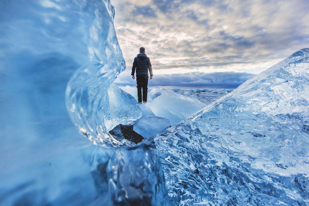 Enroulez vos vêtements, aventure, glacier